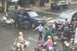Cảnh sát phong tỏa một ngân hàng nghi bị cướp ở TP.HCM