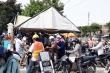 Ảnh: Chốt kiểm soát dịch COVID-19 ở Đà Nẵng quá tải, người và xe ken kín
