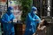 Gần 300 bác sĩ, nhân viên y tế cấp tốc chi viện Hà Nam chống dịch