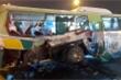 Ô tô tải tông xe buýt, 20 người nhập viện