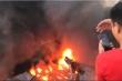 Đang cháy dữ dội tại xưởng sản xuất mũ bảo hiểm ở Hà Nội