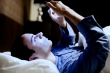 Sử dụng điện thoại trước khi ngủ: Cảnh báo nguy cơ bị ung thư, đột tử