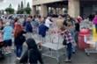 Ảnh: Sợ dịch Covid-19, người Mỹ kéo nhau vét sạch cửa hàng, siêu thị