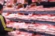 'Kêu gọi người dân ăn gà thay lợn là duy ý chí, không thực tế'
