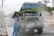 Ảnh: Quân khu 4 phun khử khuẩn các khu vực phong tỏa ở TP Hà Tĩnh