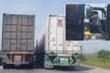 Clip: Hai tài xế container dàn hàng ngang dằn mặt nhau giữa đường