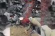 Video: Người đàn ông chiên trứng, làm thịt xông khói trên dung nham núi lửa