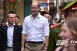 Hoàng tử William đi dạo phố bán thuốc Đông y ở Hà Nội