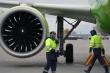 Máy bay Nga đi Cam Ranh gặp sự cố, động cơ bốc cháy ngùn ngụt