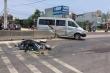 Va chạm xe khách, người đàn ông ngã xuống đường bị xe tải tông chết
