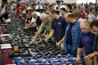 Nhu cầu mua súng đạn ở Mỹ tăng vọt trong mùa Covid-19