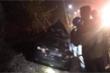Xe biển xanh tông vào đuôi xe container, 4 người thương vong