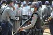 Không muốn làm theo lệnh quân đội, cảnh sát Myanmar vượt biên sang Ấn Độ