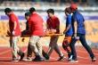 SEA Games 30: VĐV Philippines kiệt sức, lịm trên vạch đích marathon