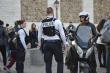 Cảnh sát Pháp đột kích mục tiêu cực đoan sau vụ giáo viên lịch sử bị chặt đầu