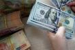 Tỷ giá USD ngày 16/2: USD tiếp tục giảm sâu, nguy cơ chạm đáy thảm