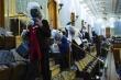 Nghị sĩ Mỹ phải đeo mặt nạ phòng độc khi người biểu tình tràn vào điện Capitol