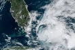 Siêu bão Isaias sắp đổ bộ, ông Trump tuyên bố tình trạng khẩn cấp ở Florida
