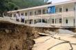 Trường học bị sạt lở, 140 học sinh tiểu học huyện miền núi phải đi học nhờ