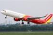 Máy bay bị trễ, Vietjet Air phát cơm phục vụ hành khách