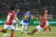 Video: Cầu thủ TP.HCM đạp thô bạo, Đỗ Hùng Dũng dính chấn thương kinh hoàng