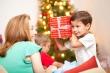 Mùa lễ hội cuối năm 2020: Mẹo chọn quà cho bé nhân dịp Giáng sinh