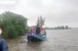 Quảng Bình: Thuyền biển vào làng xã chạy hết công suất ứng cứu dân vùng lũ