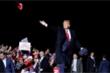Báo chí Trung Quốc 'mỉa mai' chuyện ông Trump mắc COVID-19
