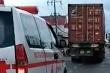 Cộng đồng mạng phẫn nộ xe container quyết không cho xe cứu thương vượt