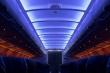 Vì sao phải giảm ánh sáng khi máy bay cất cánh và hạ cánh?