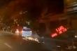 Xe taxi đâm hàng loạt xe máy trên đường