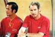 Xem lại hình ảnh HLV Alfred Riedl dẫn dắt tuyển Việt Nam thắng Thái Lan năm 1998