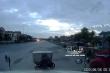Video: Vặt trộm mặt nạ ca lăng xe container đỗ bên đường nhanh như chớp