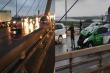 Xe máy đi ngược chiều tông trúng taxi trên cầu Nhật Tân, 2 thanh niên nguy kịch