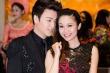 Phan Anh bất ngờ hôn má MC Thùy Linh