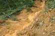 Nứt núi Nầm đe dọa hàng trăm người dân