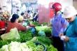 Vin cớ mưa bão, tăng giá rau xanh vô tội vạ