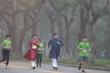 Mặc áo dài chạy Marathon ở Huế gây tranh cãi, Giám đốc Sở lên Facebook phân trần