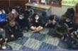 Bắc Ninh: Tạm giữ 18 con bạc tụ tập chơi xóc đĩa trong bão dịch COVID-19