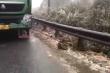 Lào Cai: Băng tuyết khiến Quốc lộ 4D trơn trượt, tài xế phải lấy dây buộc đầu xe