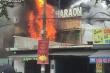 Quán karaoke Pharaon ở TP.HCM bốc cháy ngùn ngụt