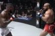 Clip: Võ sĩ MMA bay người lên gối dũng mãnh, hạ knock-out đối thủ