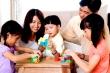 Nghỉ lễ 30/4-1/5 trong dịch COVID -19: Nhiều gia đình chọn 'du hí' tại nhà