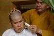 Nghệ sĩ Phước Sang quyết định xuống tóc khi cha qua đời