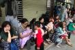 Chung cư ở Hà Nội bốc cháy lúc sáng sớm, cư dân ôm con chạy tán loạn