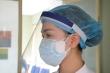 Video: Chiến sĩ áo trắng tự chế mặt nạ bảo hộ chống virus corona giá 5.000 đồng