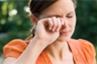 Mẹo hay giúp giảm khô mắt cho dân văn phòng