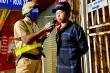 CSGT TP.HCM xuyên đêm phạt 'ma men' lái xe ngày đầu năm mới