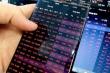 Nhà đầu tư khốn khổ vì bảng giá chứng khoán 'đơ', VN-Index mất gần 40 điểm