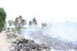 Bãi rác cháy âm ỉ gần khu dân cư, hàng trăm người phải bịt khẩu trang ngày đêm